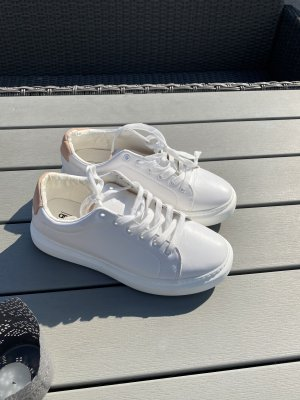 ASOS DESIGN Sneakers met veters wit-beige