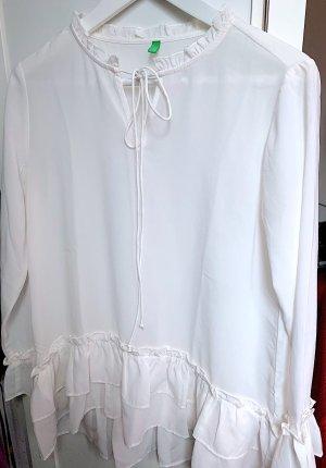 Elegante weiße Benetton Bluse mit Krausen und Rüschen