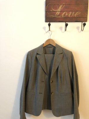Eleganter grauer Hosenanzug von Mexx, Wolle, Größe 40/42