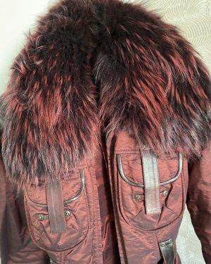 Płaszcz ze sztucznym futrem bordo