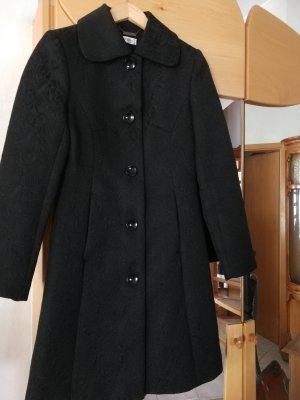 Orsay Abrigo corto negro