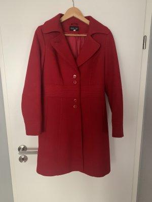 Cappotto invernale rosso scuro