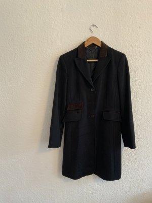 Eleganter Mantel mit braunem Kragen aus 100% Kaschmir