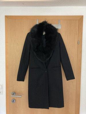 Eleganter Mantel mit Echtfell