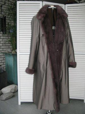 Manteau de fourrure gris brun pelage