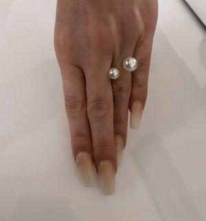 Zdobiony pierścionek biały-srebrny