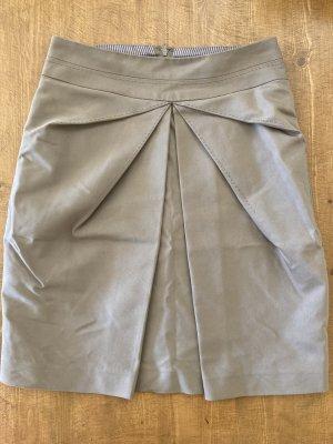 eleganter Sommerrock mit Falt-Detail vorne