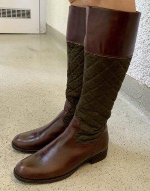 Eleganter Stiefel mit dunkelcognac Glattleder