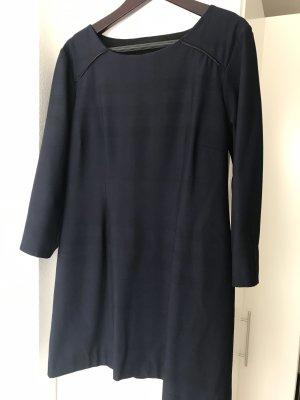Ana Alcazar Vestido línea A azul oscuro