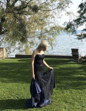 Elegantes Ballkleid - Abendkleid im Mermaid-Schnitt - Nachtblau mit schwarzer Spitze