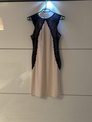 Elegantes enges Kleid