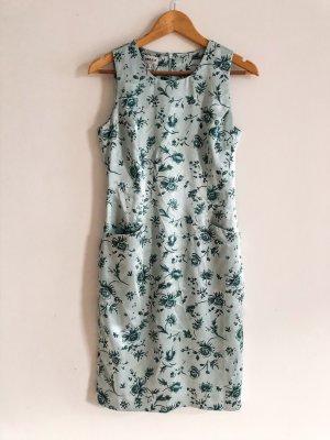 Elegantes glänzendes Kleid