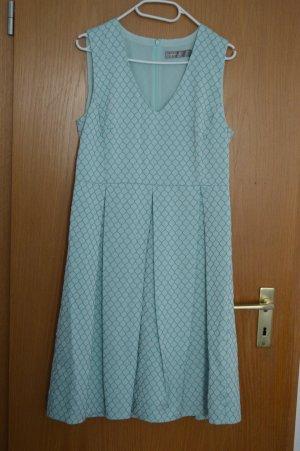 Elegantes Hallhuber-Kleid