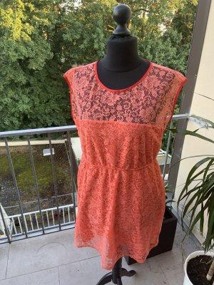Elegantes Herbstkleid