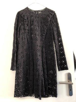 Elegantes Kleid aus schwarzer Spitze