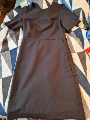 Elegantes Kleid / Etuikleid