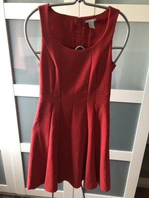 Elegantes Kleid in rot Gr. 36