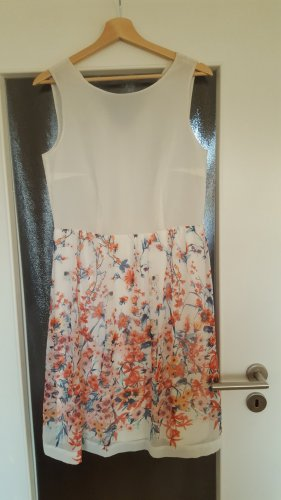 Elegantes Kleid mit Blumenprint Esprit