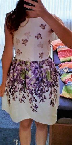 Elegantes Kleid mit Blumenprint