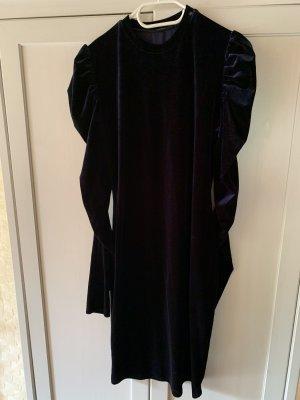 Elegantes Kleid mit Puffärmeln