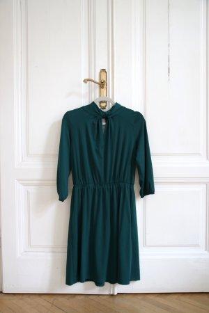 Elegantes Kleid mit raffiniertem Ausschnitt Größe 36 S in Petrol