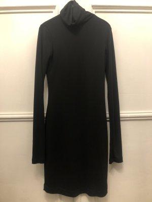 Elegantes Kleid mit Rollkragen doppelter Stoff