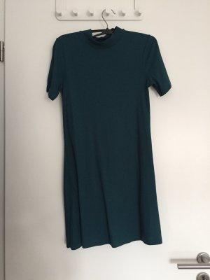 Elegantes Kleid mit Stehkragen