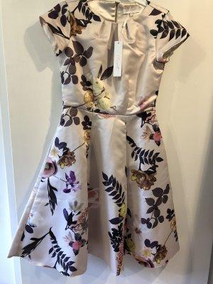 elegantes Kleid von Closet