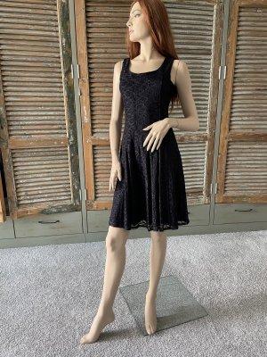 Elegantes Kleid von Comma