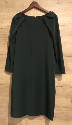 Elegantes Kleid von COS 44