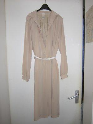 Elegantes Kleid von Delmod