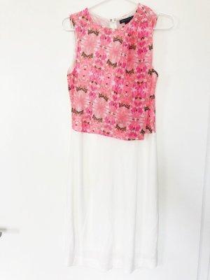 Elegantes leichtes Sommerkleid von Mango. Weiß mit pinkem floralen Muster. Größe M.