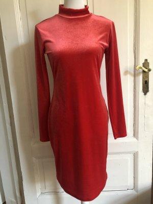 Elegantes rotes samt-Kleid