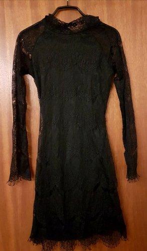 Elegantes rückenfreies Kleid