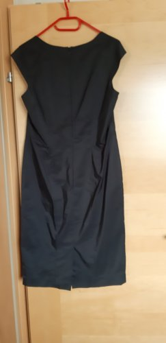 Elegantes Schwarze Kleid mit kurzem Jäcken