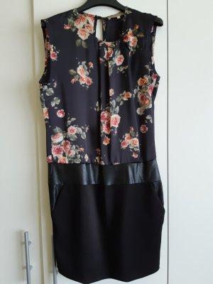 Elegantes Schwarzes Kleid - S