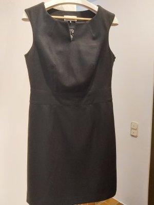 Elegantes schwarzes Wollkleid von Esprit