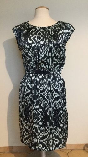 elegantes tailliertes Kleid, Größe 38