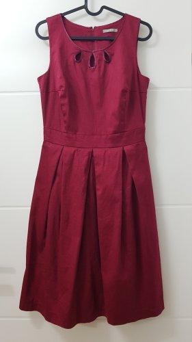 Elegantes weinrotes Kleid Gr. 34