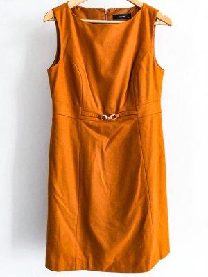 elegantes Wollkleid in Campagner-Occabraunes Kleid