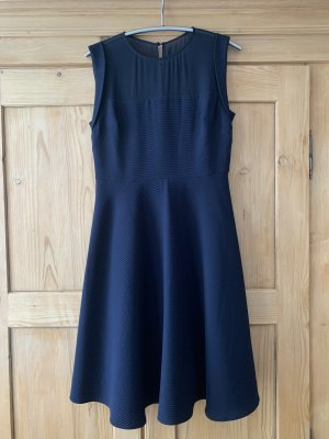 elegantes zeitloses Kleid