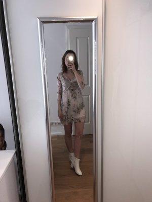 Elfenhaftes Blümchenkleid von New Look
