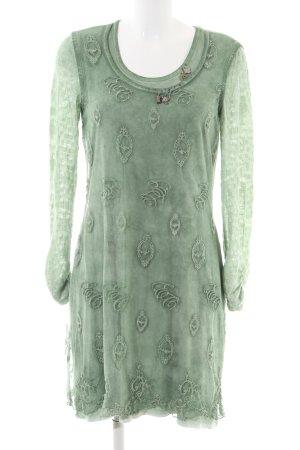 Elisa Cavaletti Camisa tipo túnica verde look casual