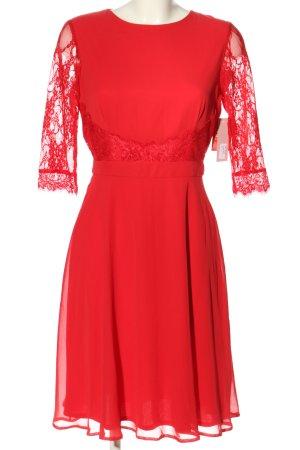 Elise Ryan Spitzenkleid rot klassischer Stil