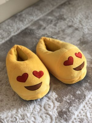 Scuffs yellow