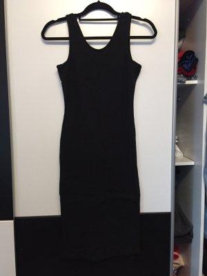 Eng anliegendes Kleid