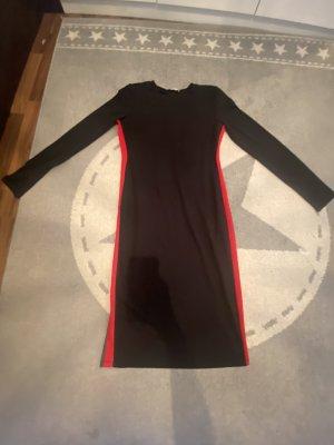 Enganliegendes Zara Kleid
