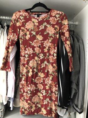 Enges Jerseykleid mit Blumenprint