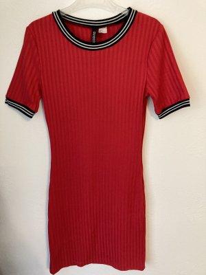 Enges Kleid,H&M