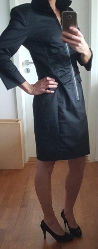 Enges Kleid von Riani